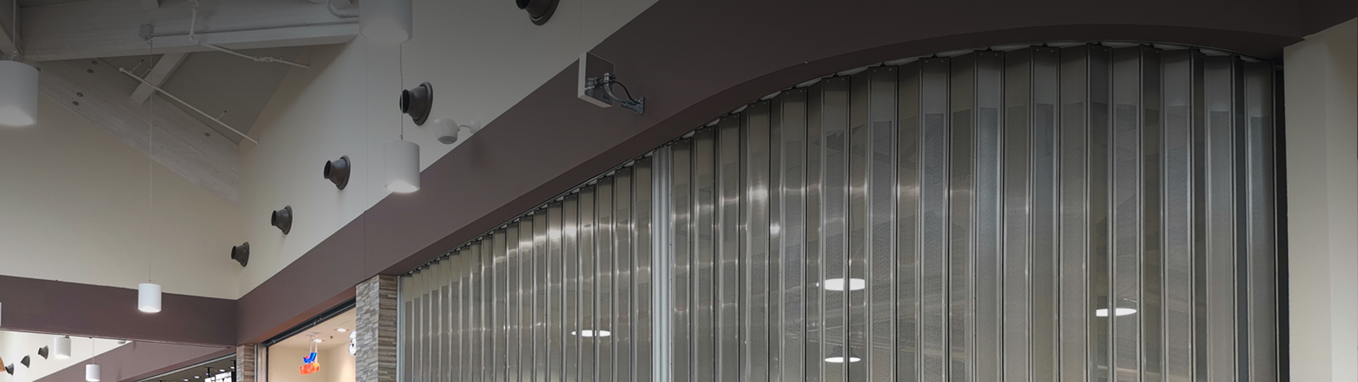 Sliding folding security shutter